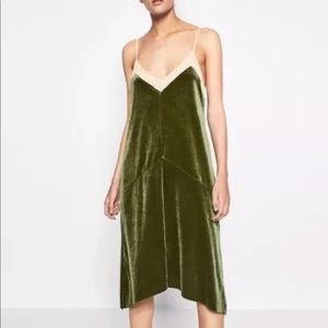 Zara green velvet midi dress Sz Small